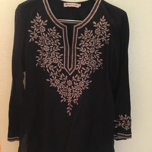 Tunic by Passementrie/Black hand detailed